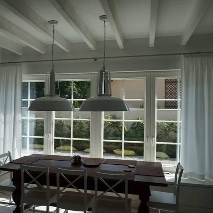 Dekoracje Okien Evoart Sala da pranzo in stile scandinavo Bianco