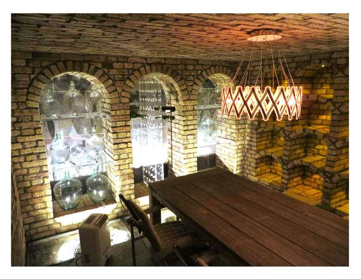 Weinkeller mit Platz für Weinverkostungen Antik-Stein Rustikale Weinkeller
