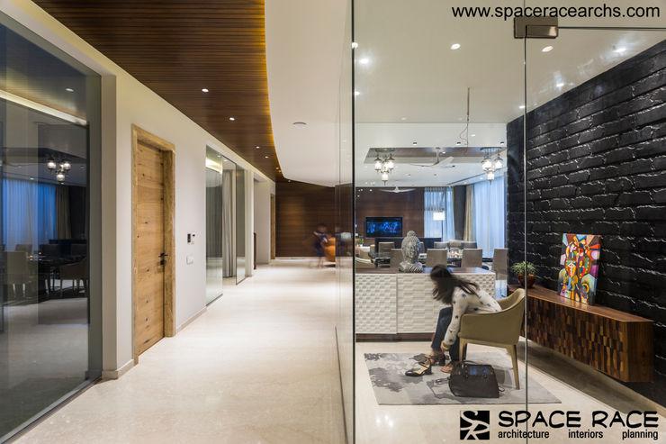 SHOE CHANGE AREA SPACE RACE ARCHITECTS Minimalist corridor, hallway & stairs