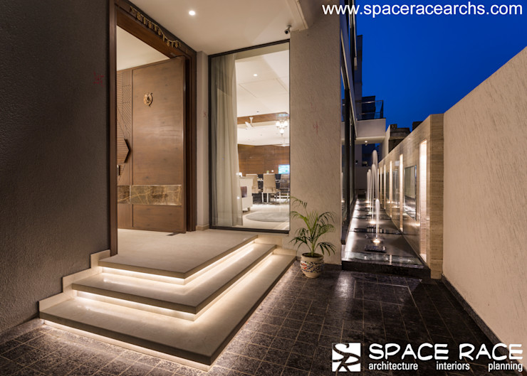 MAIN ENTRY DOOR SPACE RACE ARCHITECTS Minimalist houses