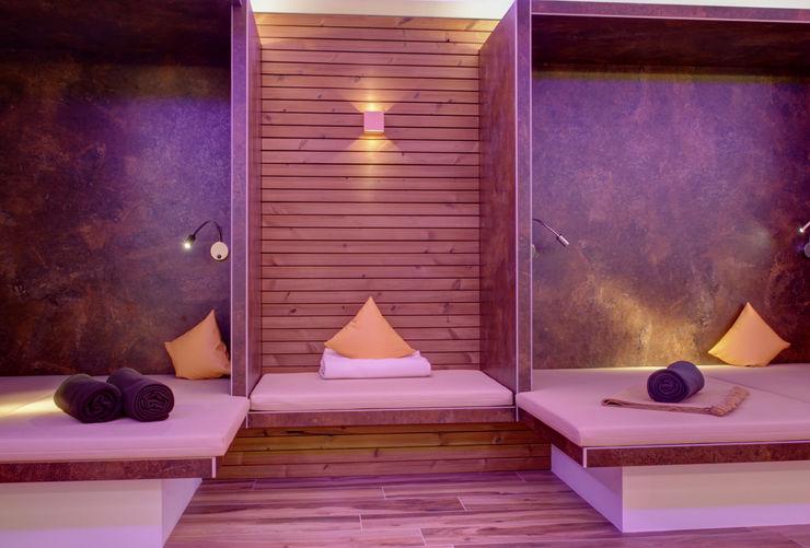 Alcove Ruheraum LICHT.RAUM.TECHNIK Moderne Hotels Lila/Violett