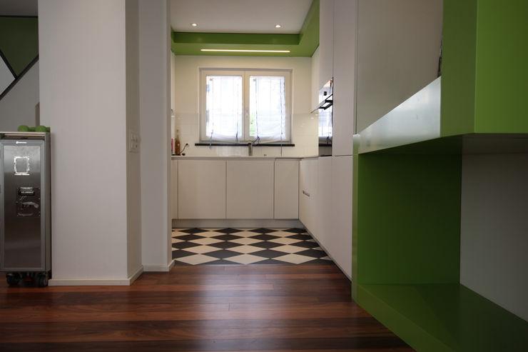 Bodenbeläge in der Küche Ottagono+Rechsteiner Interior AG Einbauküche