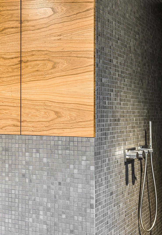 Einbaumöbel im Badezimmer ZHAC / Zweering Helmus Architektur+Consulting BadezimmerAufbewahrungen Holz Grau