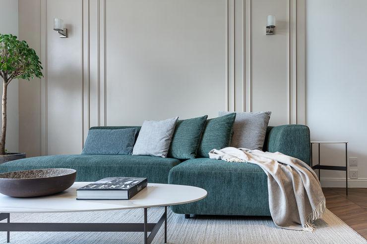 A Vintage Lifestyle—Villa Rocha, Hong Kong Grande Interior Design Mediterranean style living room