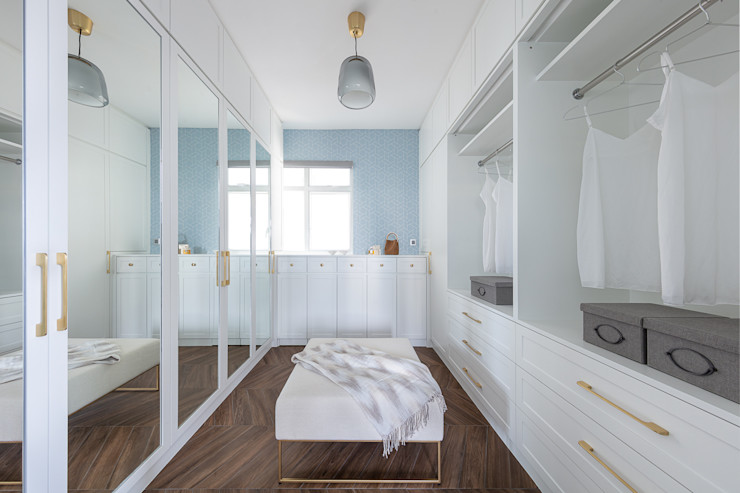A Vintage Lifestyle—Villa Rocha, Hong Kong Grande Interior Design Mediterranean style dressing room