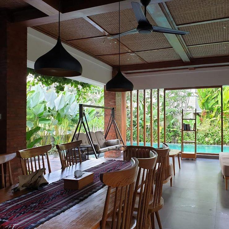 Villa Ubud, Bali Bral Studio Architecture Ruang Keluarga Tropis