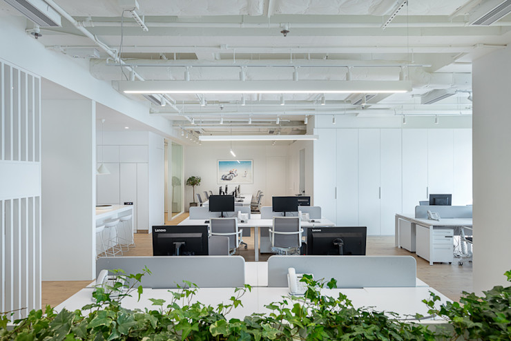An All-White Minimalism - Hong Kong Grande Interior Design Minimalist offices & stores