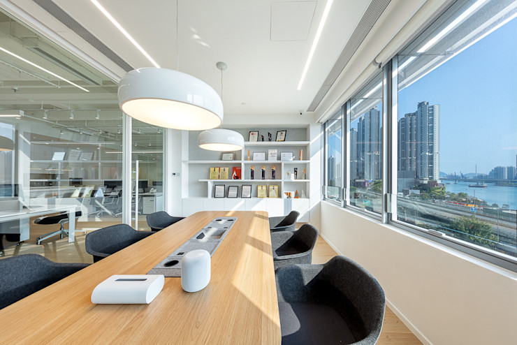 An All-White Minimalism—Hong Kong Grande Interior Design Minimalist offices & stores