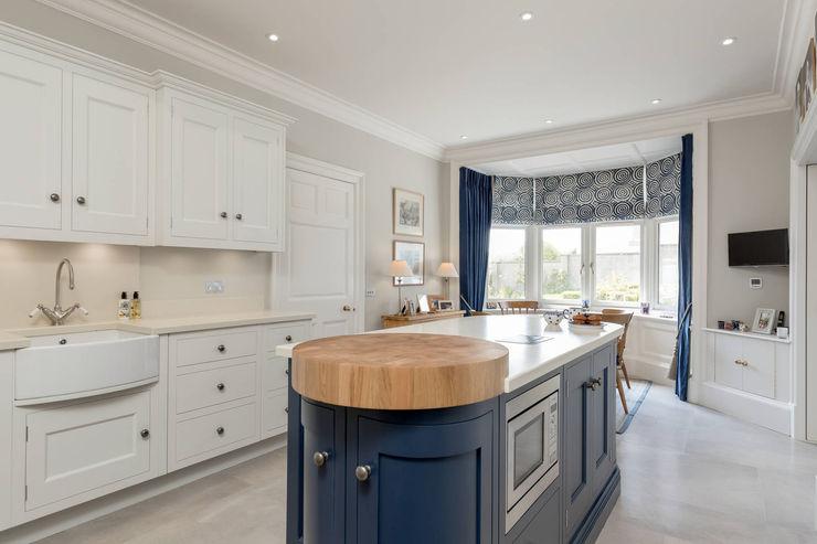 Christopher Howard kitchen diner Christopher Howard Built-in kitchens Wood Blue