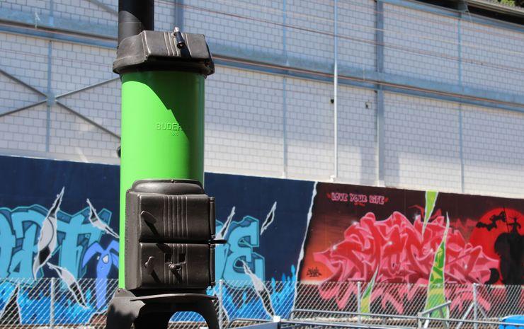 Perler Ofen GmbH Jardines en la fachada Metal Verde