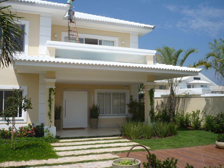 FERNANDA SALLES ARQUITETURA Modern Houses