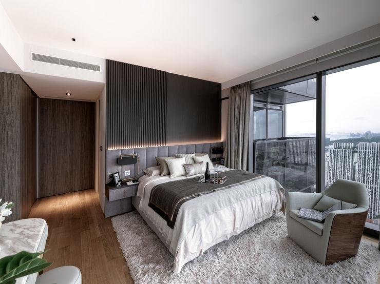Wallich Residence Mr Shopper Studio Pte Ltd Modern style bedroom