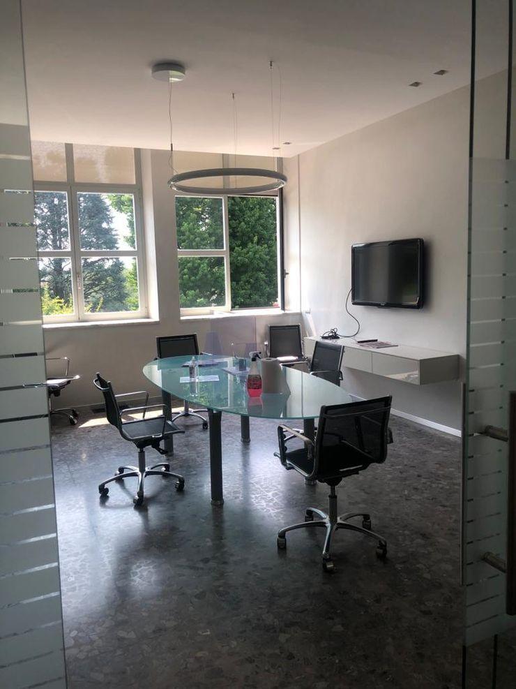 Dettaglio arredo ufficio C.M.E. srl Studio moderno