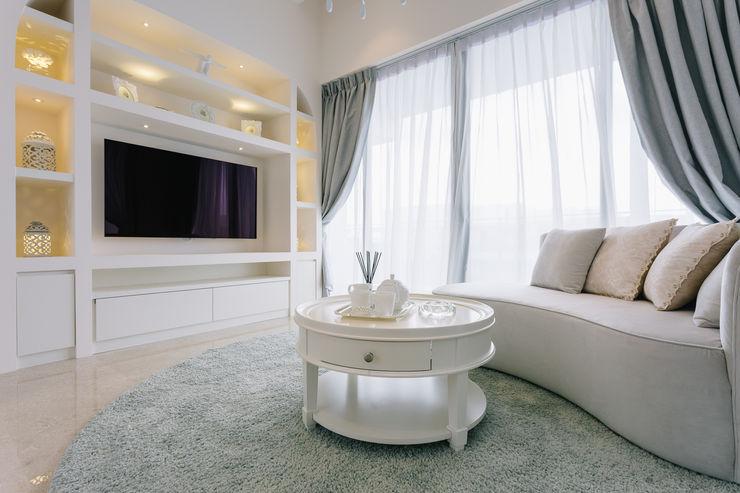RiverSail Penthouse Mr Shopper Studio Pte Ltd Classic style living room