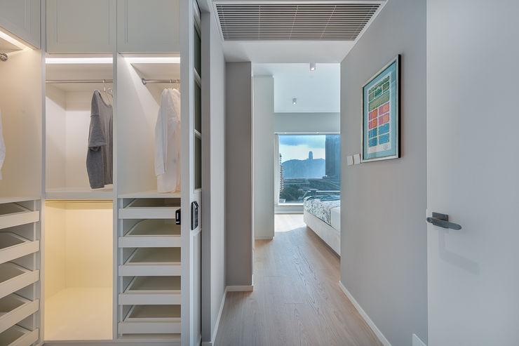 Multi-functional Living Area, a Private Dancing Studio—The Coronation, Hong Kong Grande Interior Design Modern dressing room