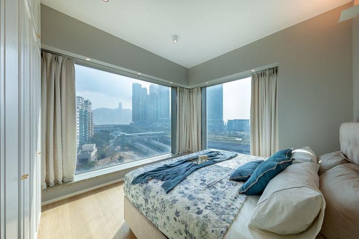Multi-functional Living Area, a Private Dancing Studio—The Coronation, Hong Kong Grande Interior Design Modern style bedroom