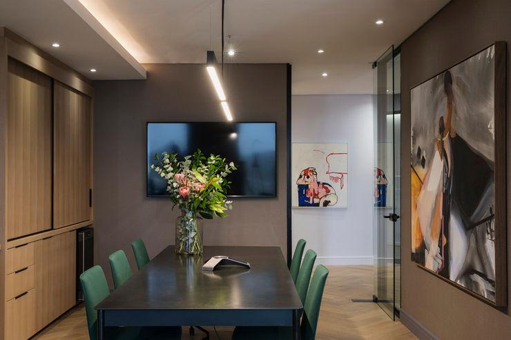 Boardoom interior design workroom. Dining roomTables