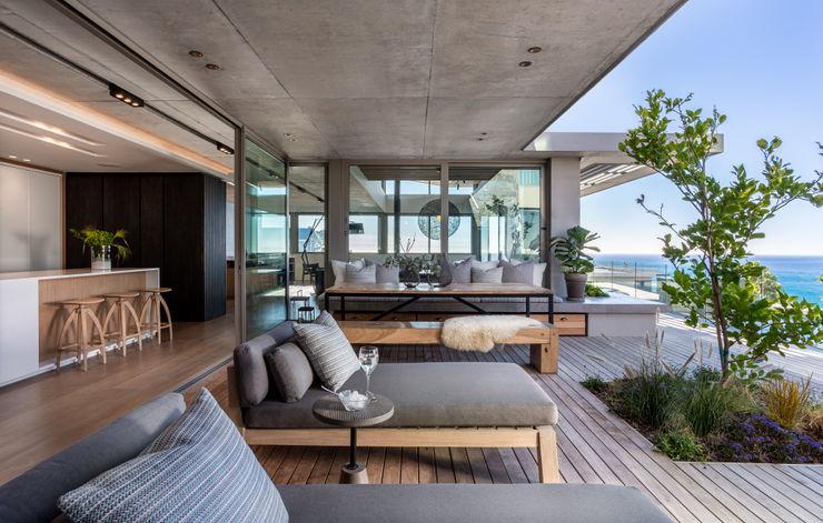 UT 41 GSQUARED architects Balcony