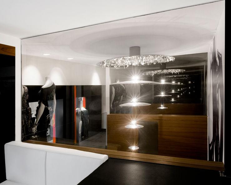 MANUEL TORRES DESIGN Offices & stores Black