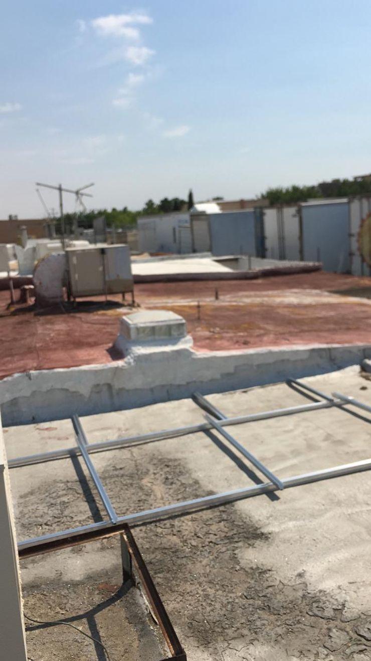 Comienzo de la instalación ESPECIALISTAS EN ENERGÍA SOLAR SOLAR MX INSTALACIÓN DE PANELES SOLARES Techos planos