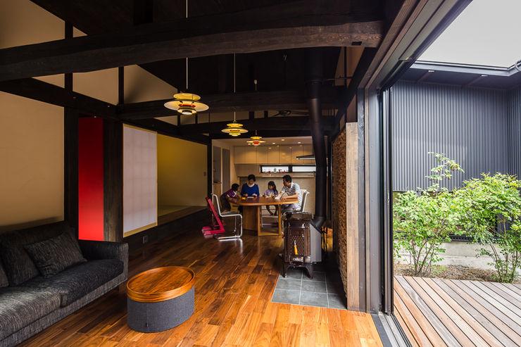 大工さんち murase mitsuru atelier 和風デザインの リビング