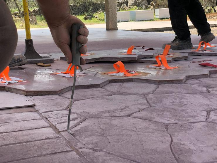 Pavimento in calcestruzzo stampato ROMAZZINO C.S. SERVICE SRL Pavimento Cemento armato