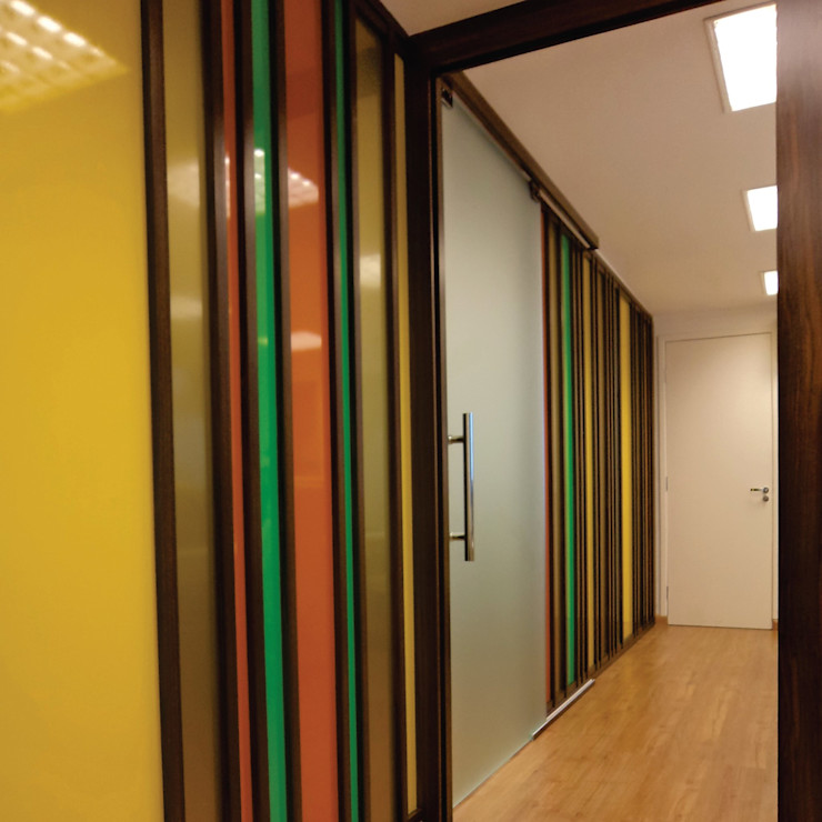 CICOR FACTORING Arteoficina Arquitetura Espaços comerciais modernos Vidro Multi colorido