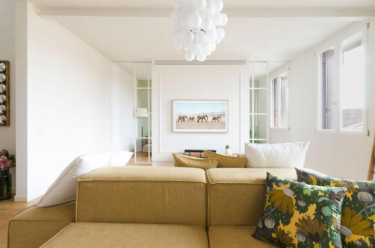 locatelli pepato Modern living room Wood White