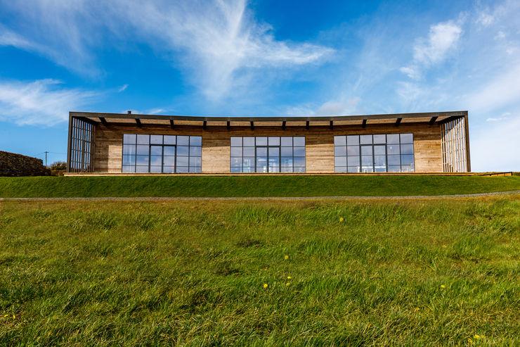 Sustainable New Build In Cornwall Arco2 Architecture Ltd Modern balcony, veranda & terrace
