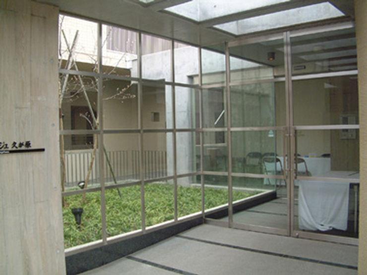 東京デザインパーティー|照明デザイン 特注照明器具 Modern Corridor, Hallway and Staircase