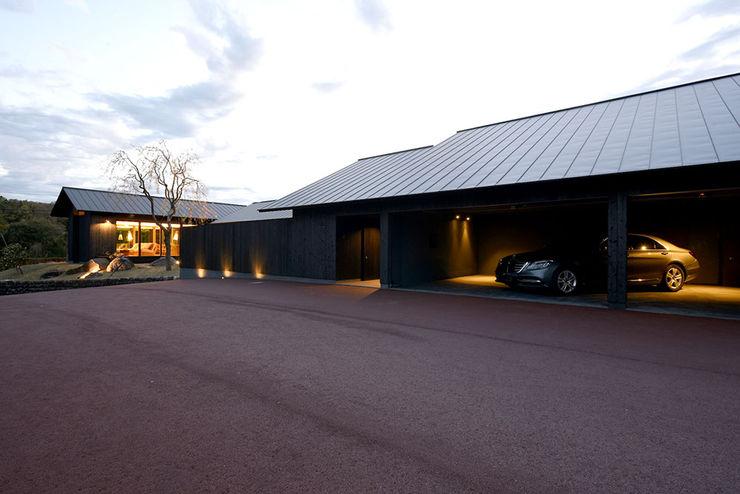 Case Study House #66 NASU CLUB リゾートハウス 無垢材 黒色