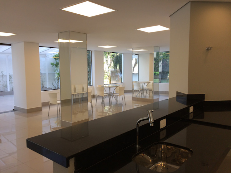 Lucia Helena Bellini arquitetura e interiores Commercial Spaces