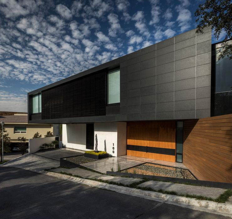 Casa en las Calzadas GLR Arquitectos Casas unifamiliares Negro
