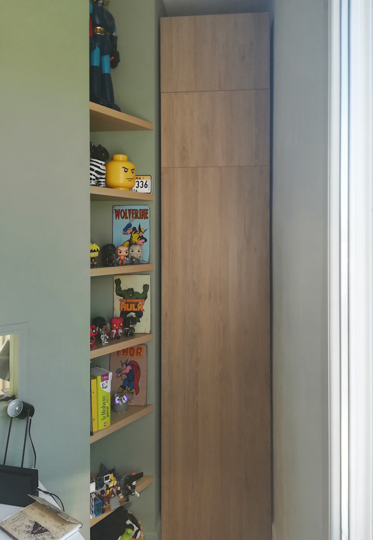 VUE SUR ETAGERES Lionel CERTIER - Architecture d'intérieur Chambre d'enfant moderne