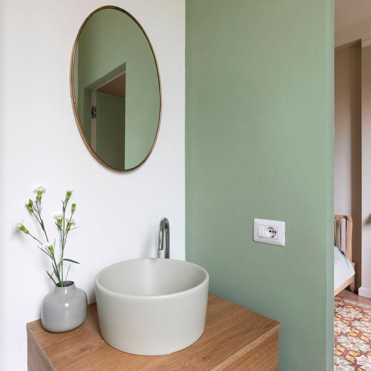 lavandino colorato bagno verde Lascia la Scia S.n.c. Bagno eclettico Legno Verde