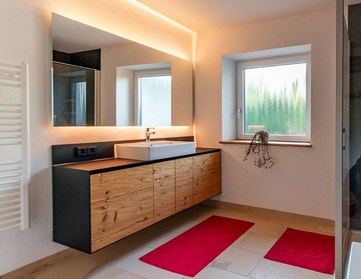 Smola Schreinerei GmbH & CO.KG BathroomSinks