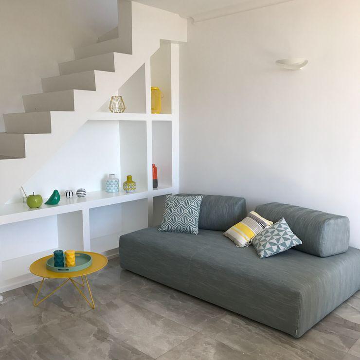 Zona Living Studio Zay Architecture & Design Soggiorno moderno Marmo Grigio