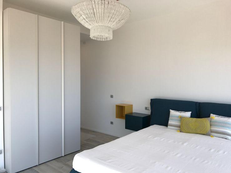 Zona notte Studio Zay Architecture & Design Camera da letto moderna Legno Blu