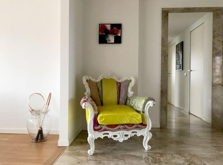 Ingresso/Corridoio Studio Zay Architecture & Design Ingresso, Corridoio & Scale in stile eclettico Marmo Giallo
