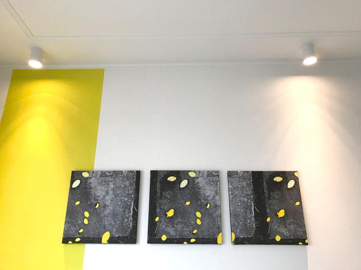 Dettaglio soffitto camera matrimoniale 02 Studio Zay Architecture & Design Camera da letto eclettica Giallo