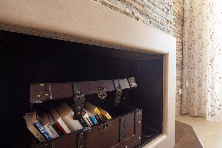 antonio felicetti architettura & interior design Ruang Keluarga Klasik Marmer Beige