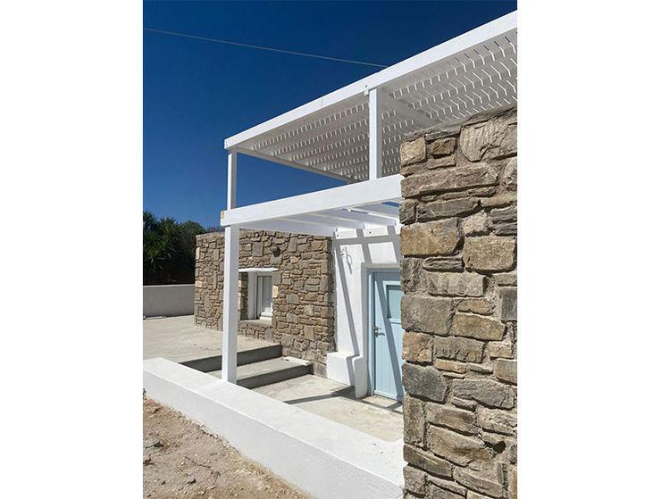 rapporto interno esterno studio patrocchi Balcone, Veranda & Terrazza in stile minimalista