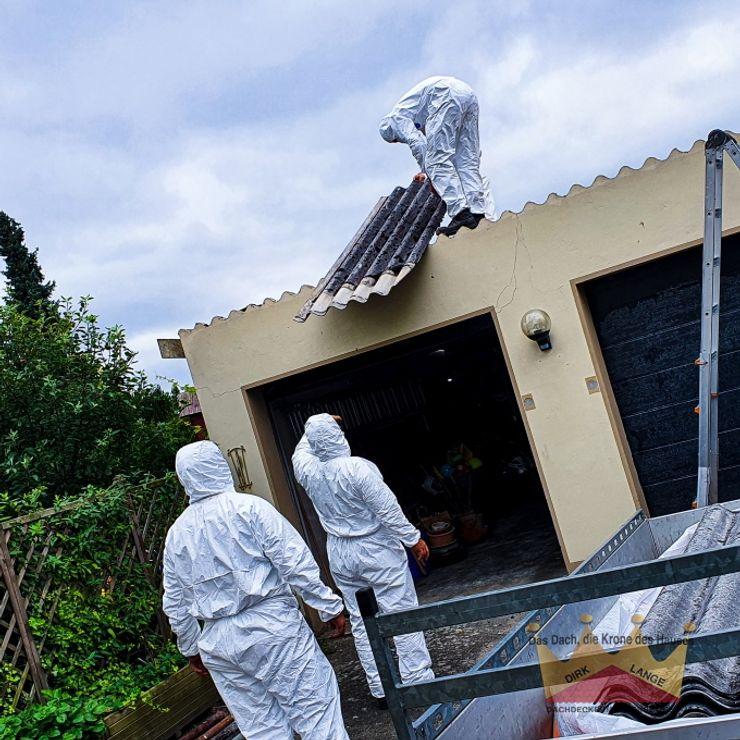 Asbestsanierung Garagendach in Oerlinghausen Dachdeckermeisterbetrieb Dirk Lange Doppelgarage