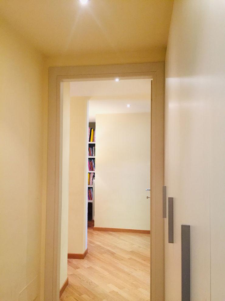Studio di Architettura, Interni e Design Feng Shui Minimalist Koridor, Hol & Merdivenler Ahşap Bej