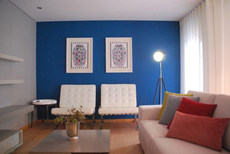T3 Novo Realize Soluções Imobiliárias Salas de estar modernas