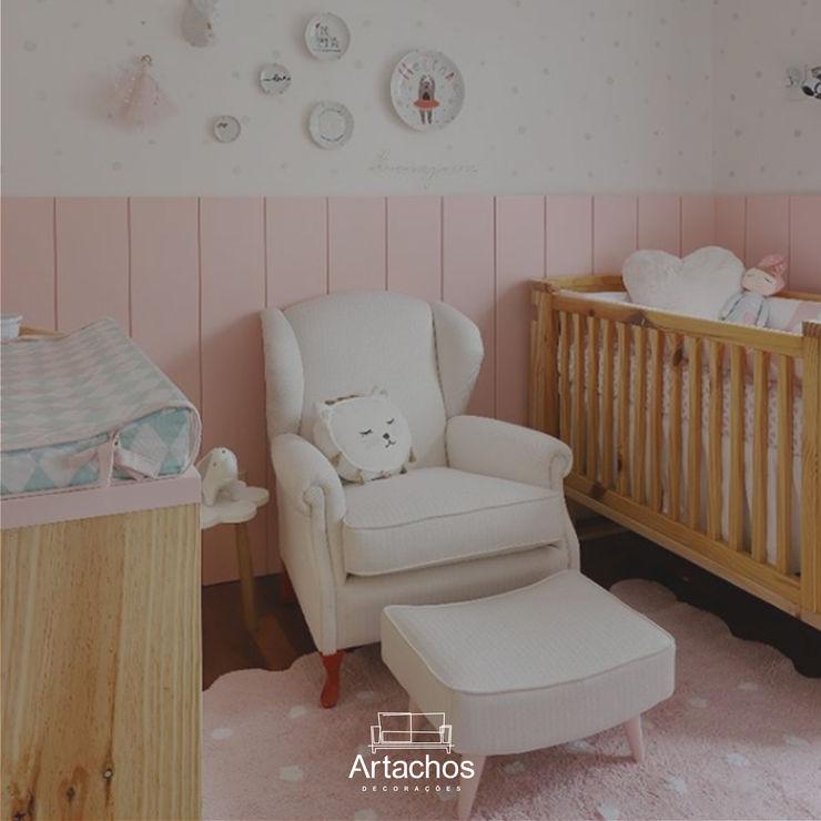 Poltrona de amamentação Artachos Decorações Quarto de criançasEscrivaninha e cadeiras