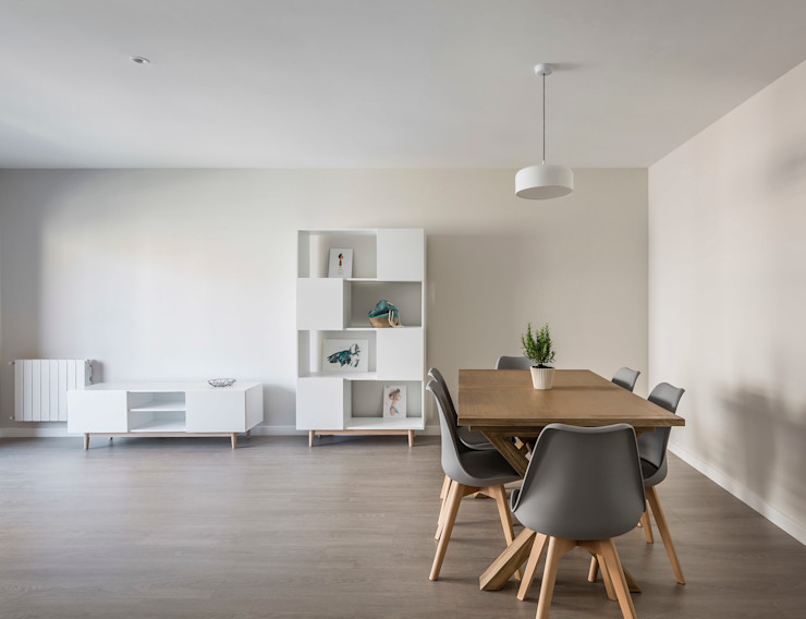 Vivienda en Benimaclet tambori arquitectes Salones de estilo moderno