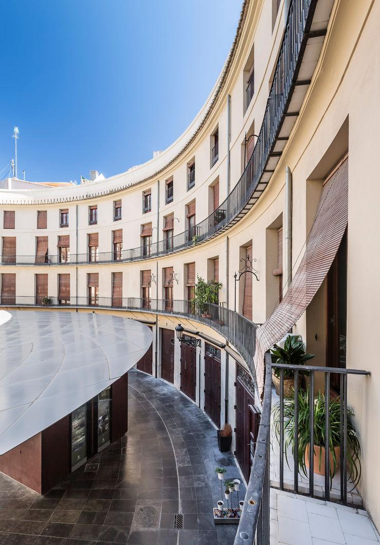Vivienda en Plaza Redonda tambori arquitectes Casas de estilo moderno
