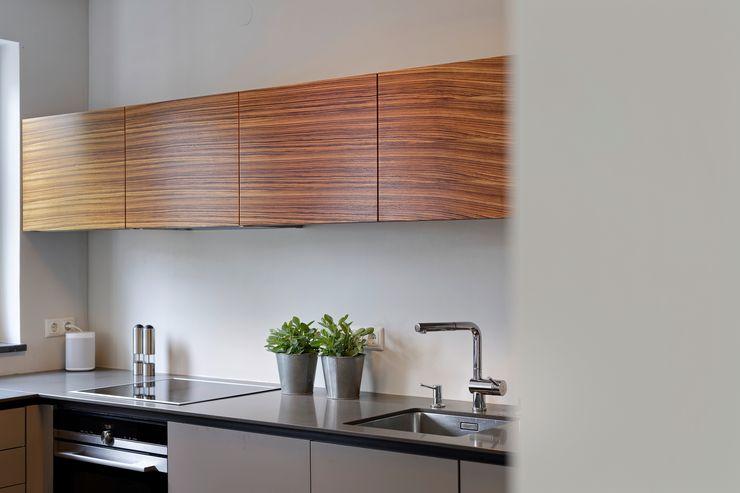 Heerwagen Design Consulting KitchenCabinets & shelves