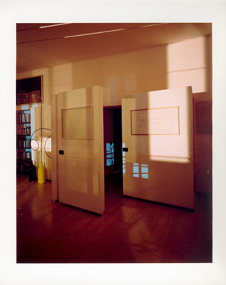 setti espositivi studio patrocchi Soggiorno eclettico